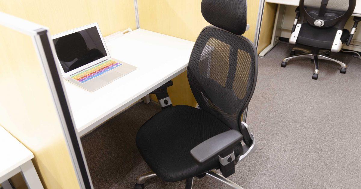 シェアオフィスABBOCCのワーキングデスク