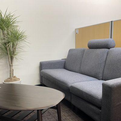 シェアオフィスABBOCC表参道のソファー席
